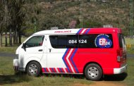 A vehicle crashed into a traffic light in Edendale, leaving six injured