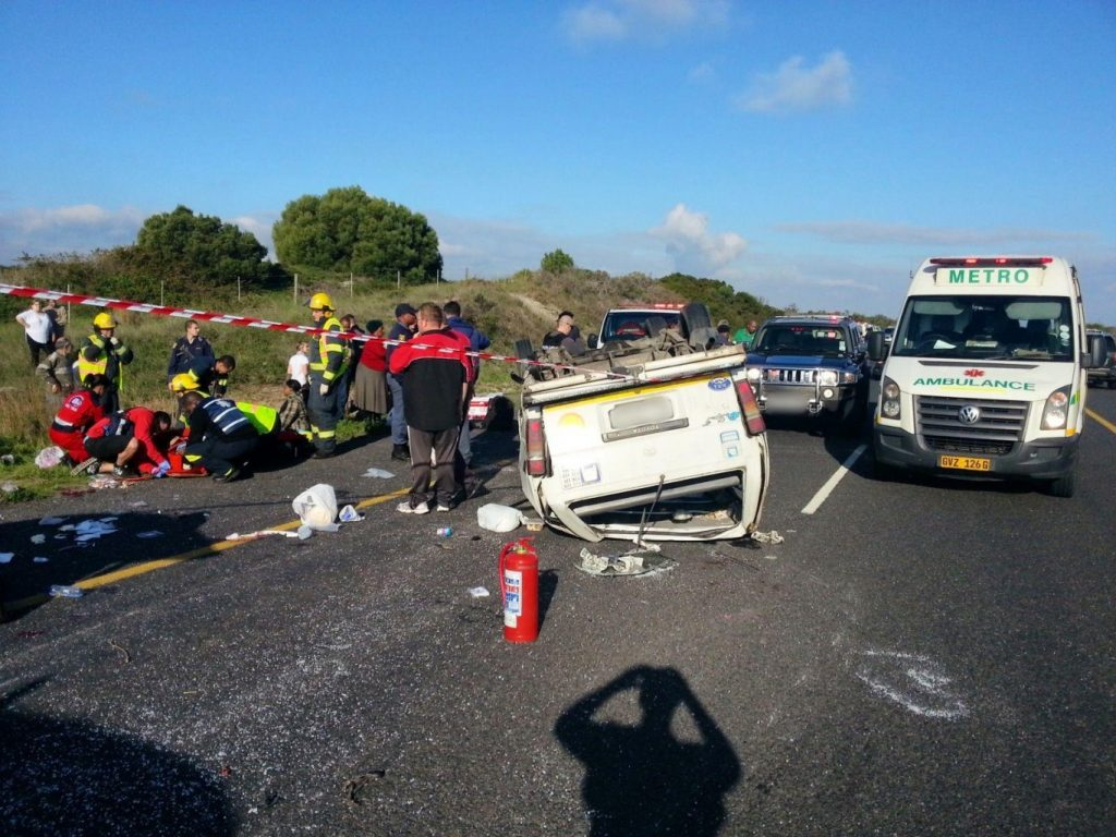 Lucky escape from rock falls on the N2 at Sir Lowry's Pass