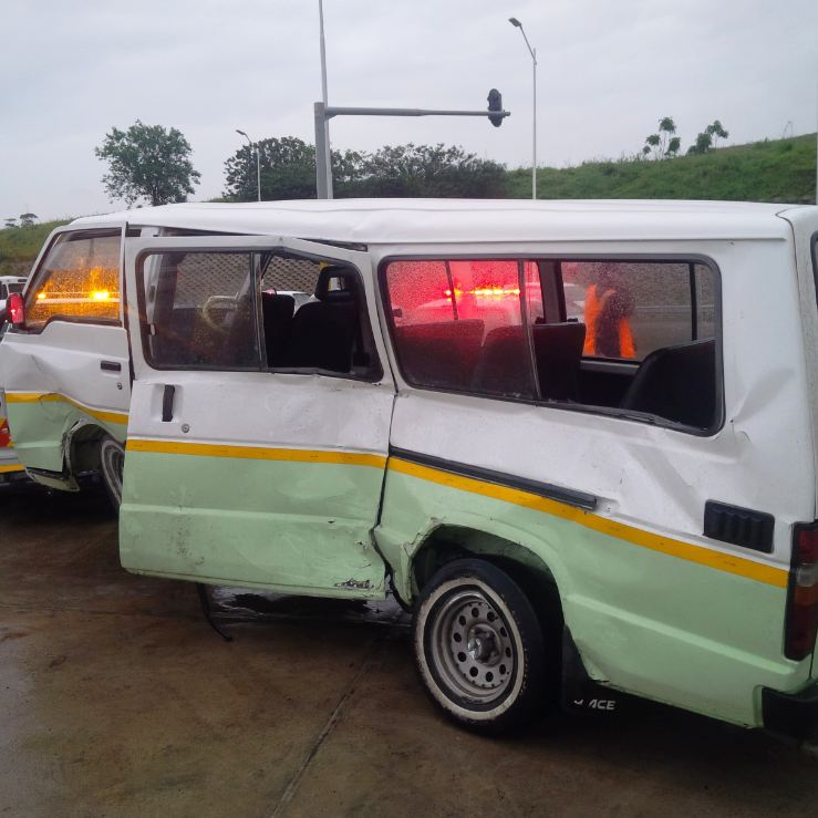 Taxi collision at Durban intersection leaves 6 injured