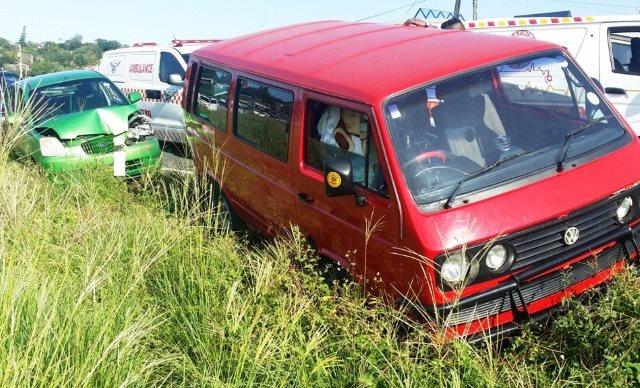 8 school children injured in collision