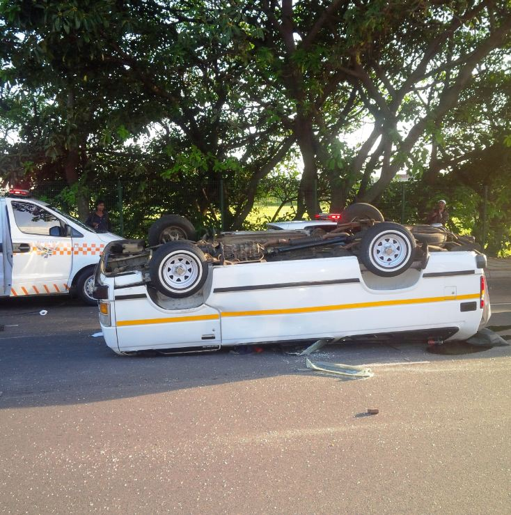 Taxi rollover  leaves 15 injured in Durban