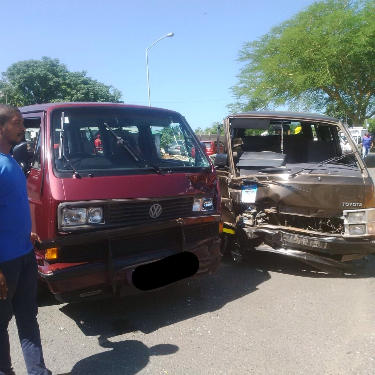 Three children injured as two taxis collide, Briardene