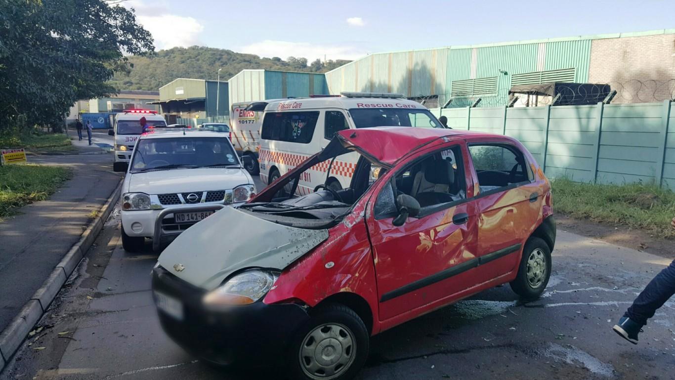 4 Injured in rollover crash in Clairwood