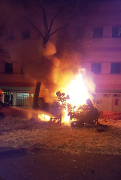 Men escape car fire after crash in Durban | Accidents co za