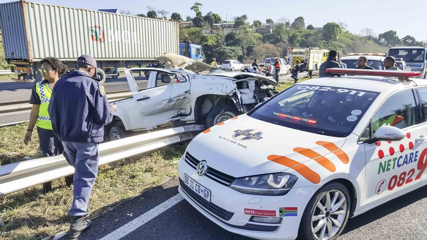 Workers injured in bakkie rollover on N2, Durban