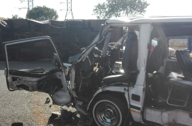 At least 13 injured in Roodepoort bus collision