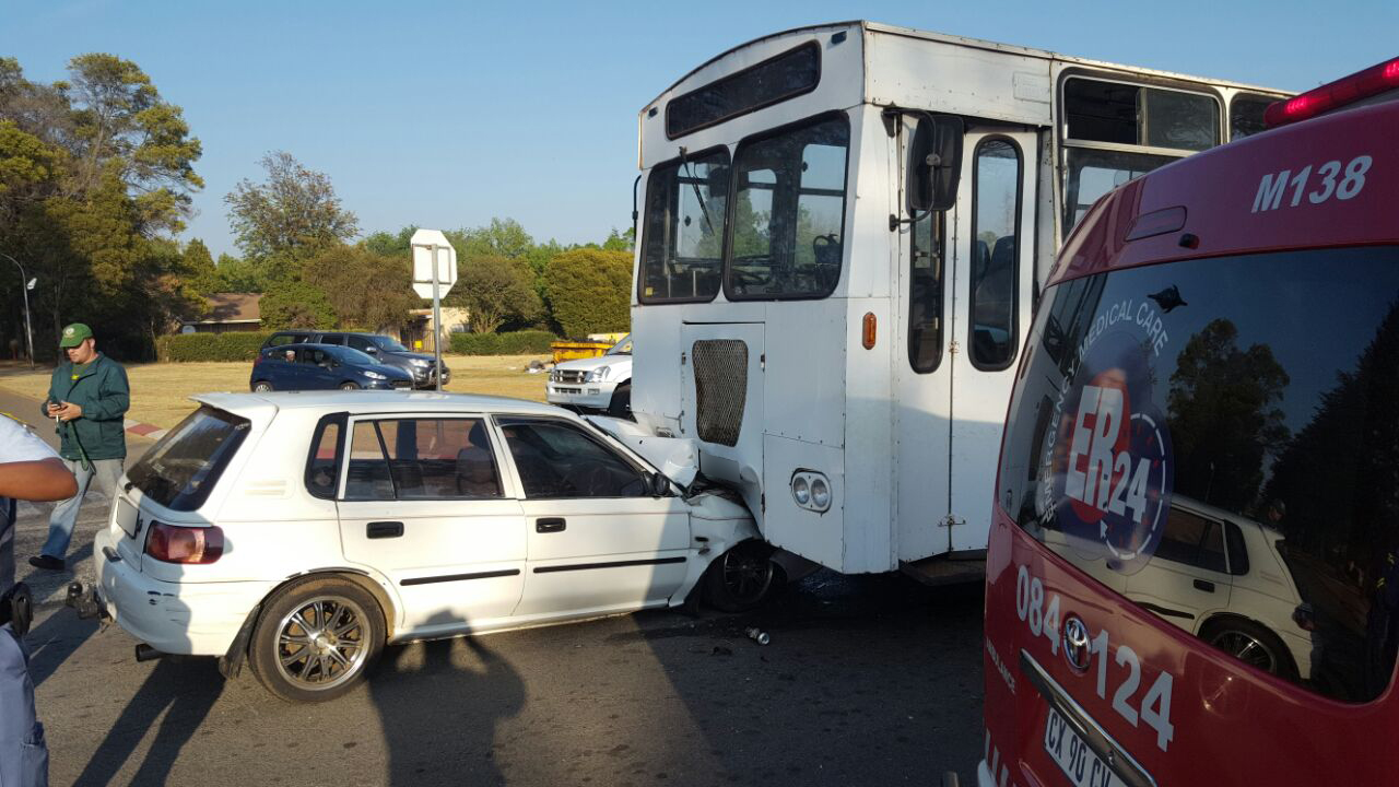 Bus and car collide injuring three in Libanon in Westonaria.