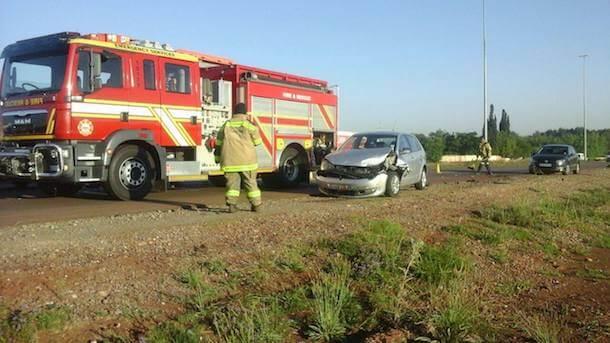 5 People injured after car skips robot & t-bones delivery vehicle, Centurion