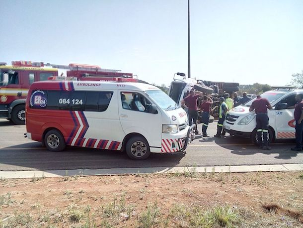 1 killed & 2 injured when truck rear-ended another on N1 south, Pretoria