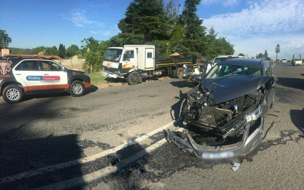 Lombardy East three injured in a collision on Marlborough