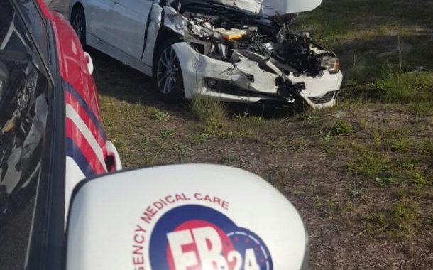 Car rear-ends bakkie in Constantia leaving two injured