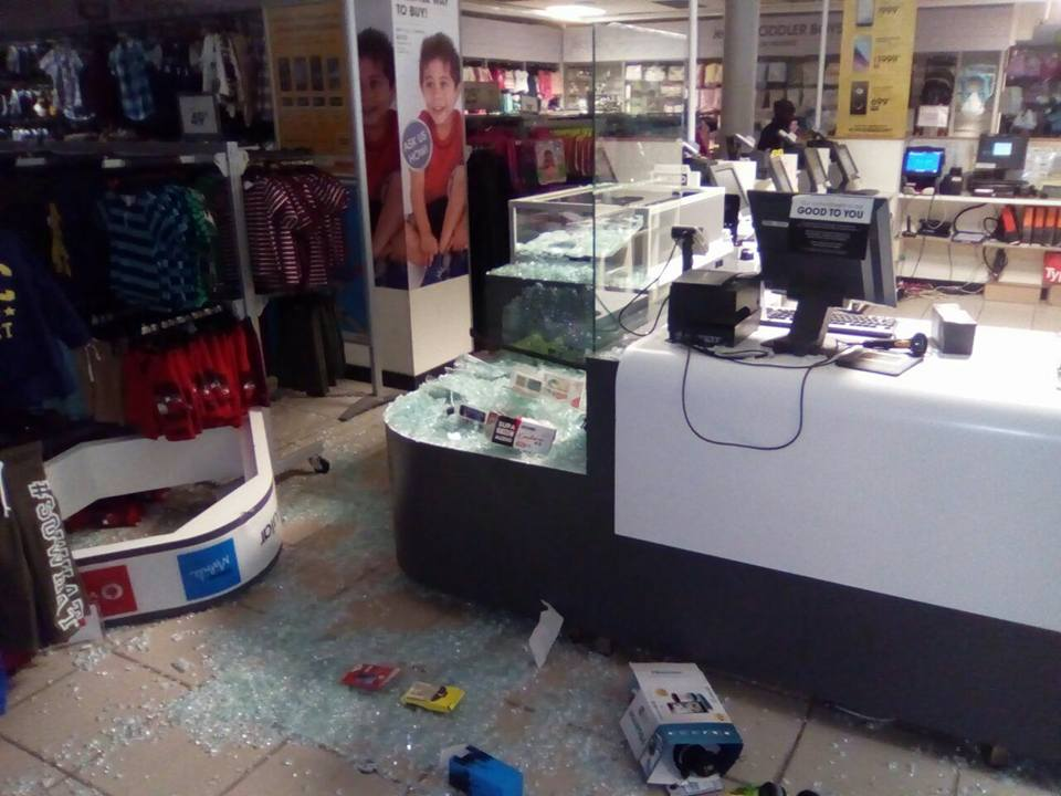 Business robbery in Isipingo
