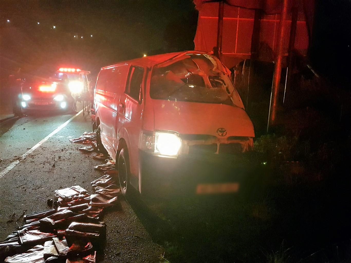 3 Injured in Pinetown crash