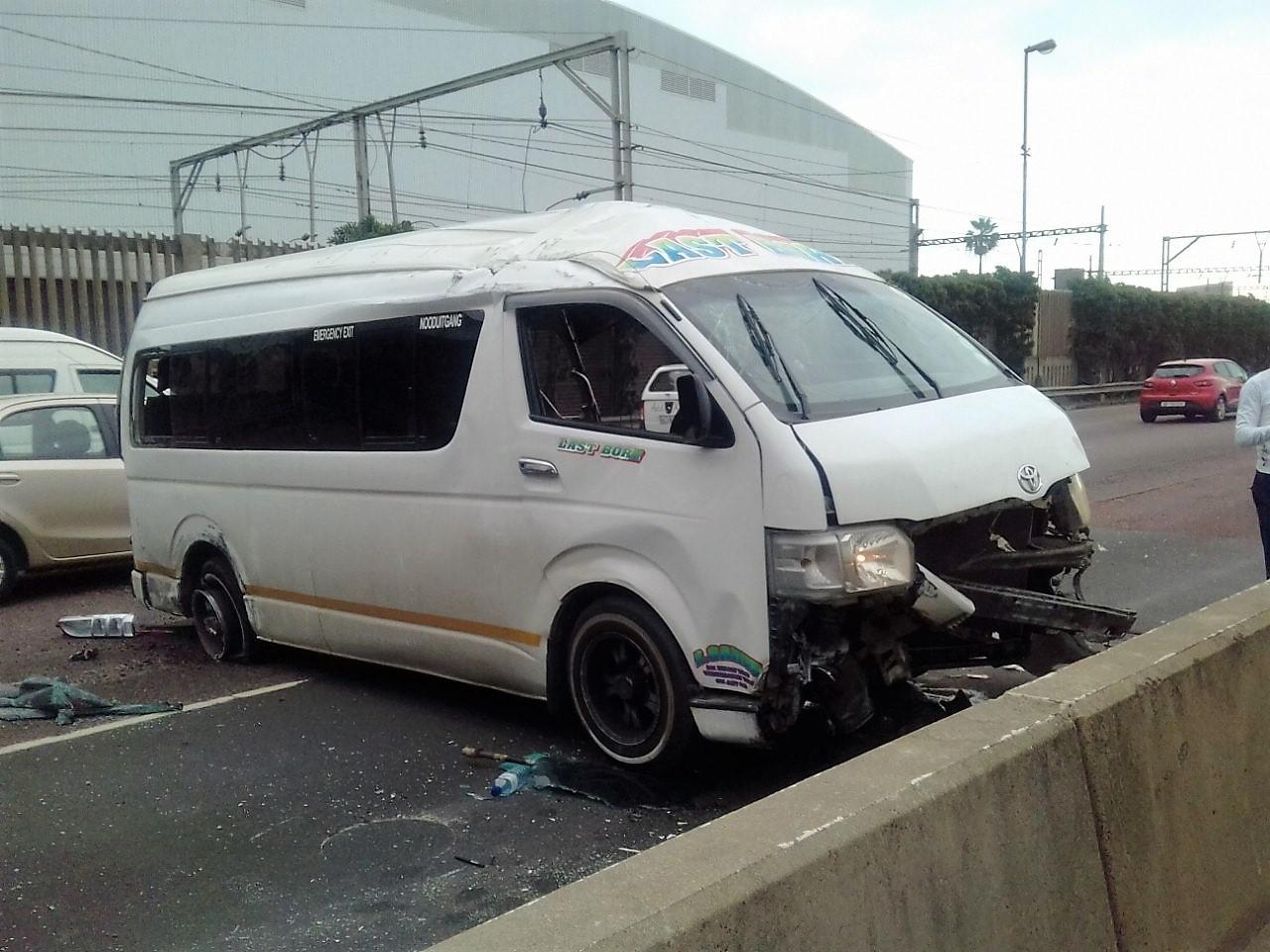 14 Injured in taxi crash on the M4 North Bound near Dahlbridge in Durban