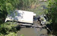 Klerksdorp man critical after his truck fell off a bridge