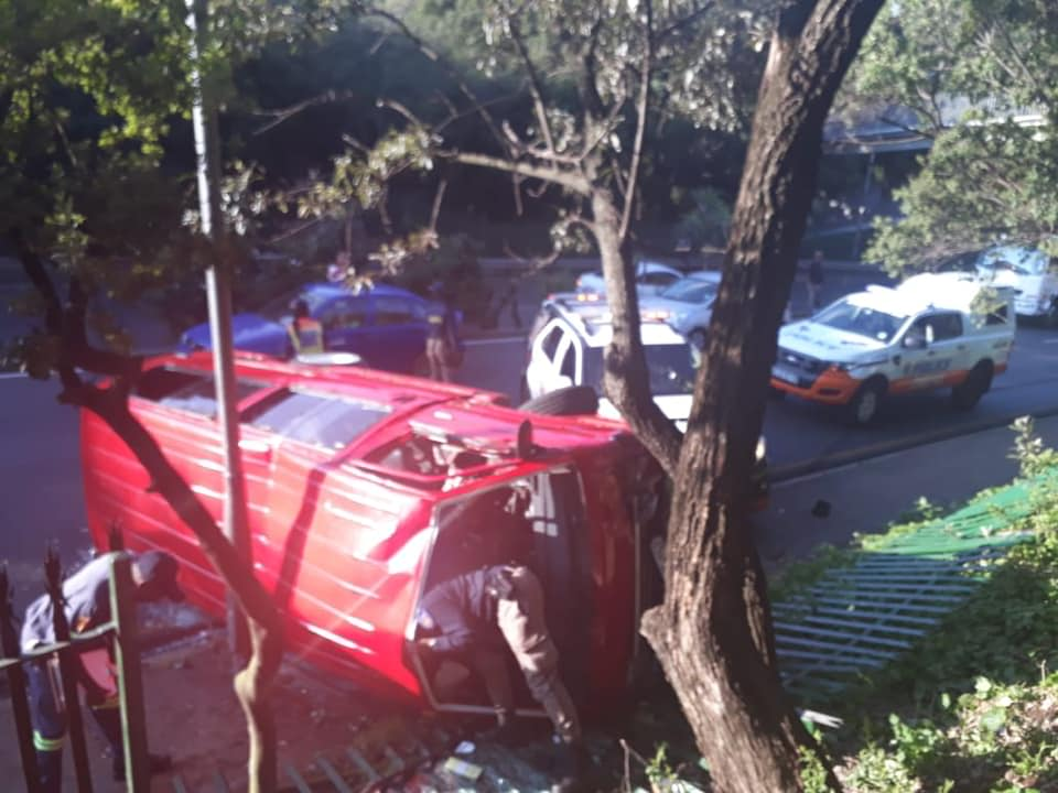Multiple injured in taxi rollover on Joe Slovo drive