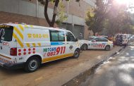 Gauteng: Woman seriously injured in building fire.