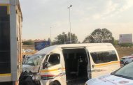 Multiple injured in a taxi collision in Sunninghill