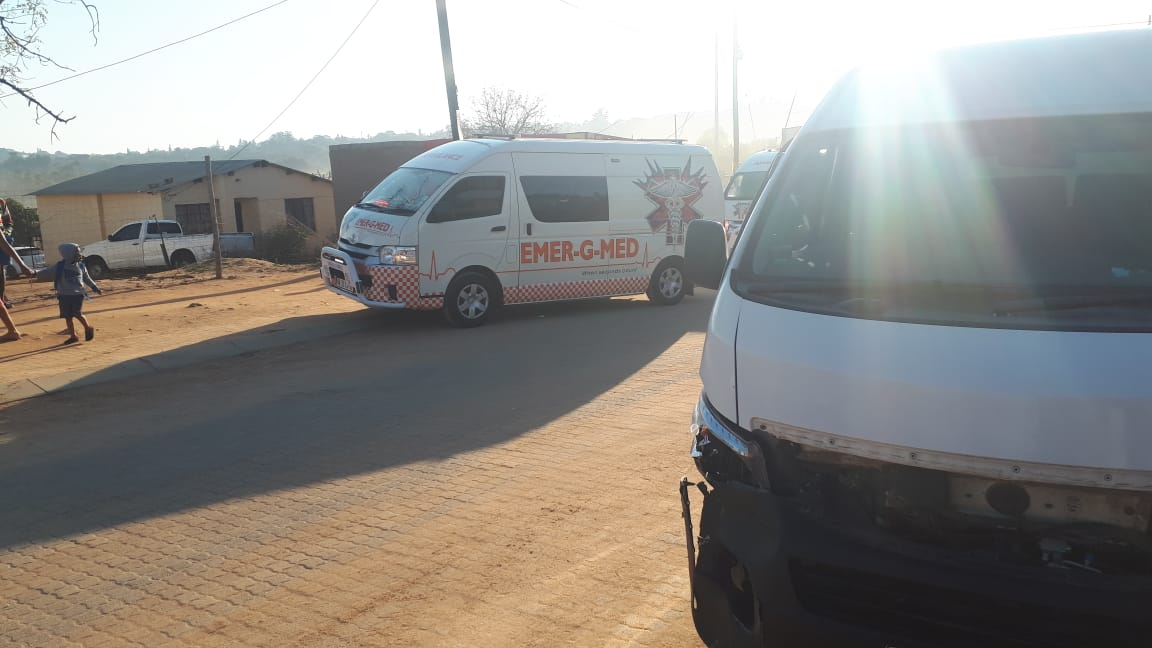 Five injured in a school taxi and vehicle collision in Msholozi
