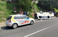 KwaZulu-Natal:  Multiple injured in a taxi rollover in Durban