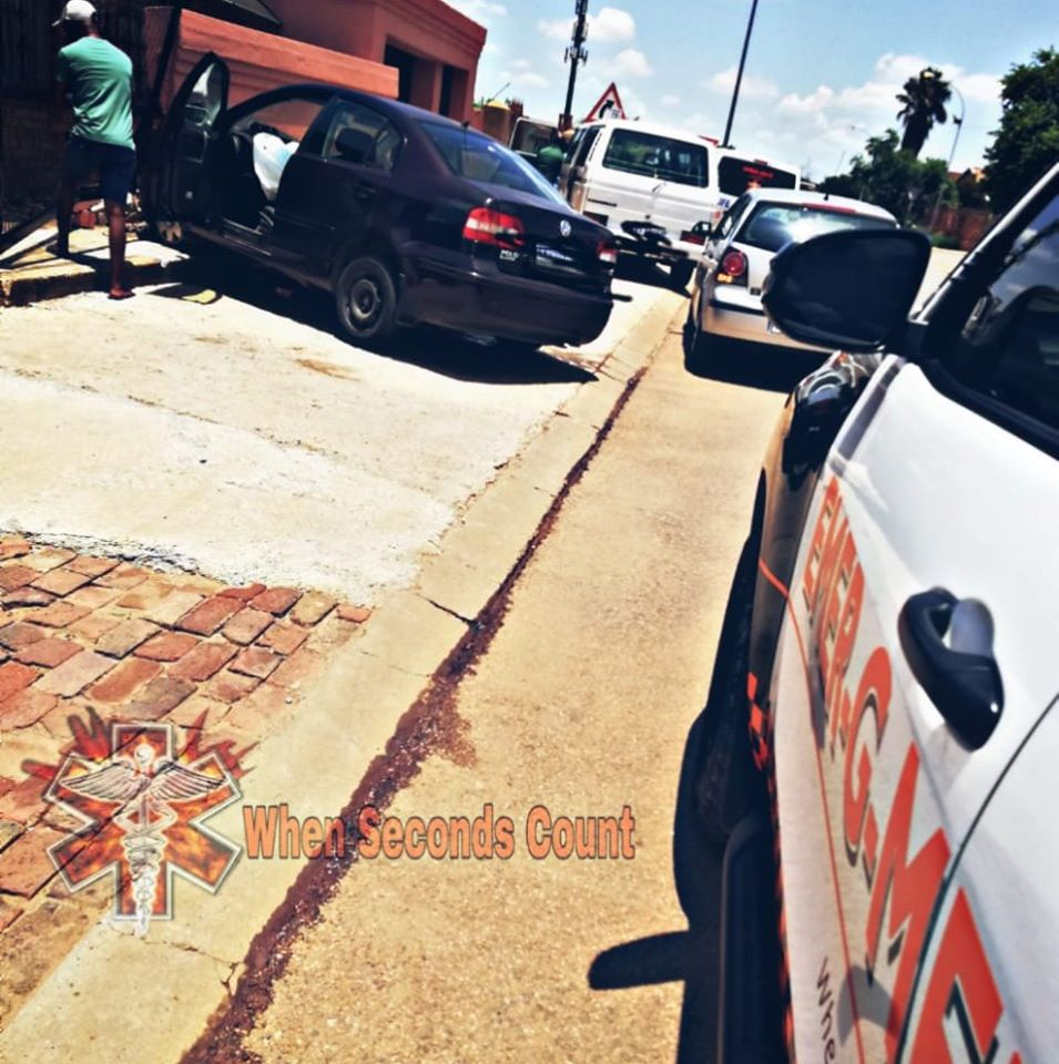 One vehicle collision in Mamelodi