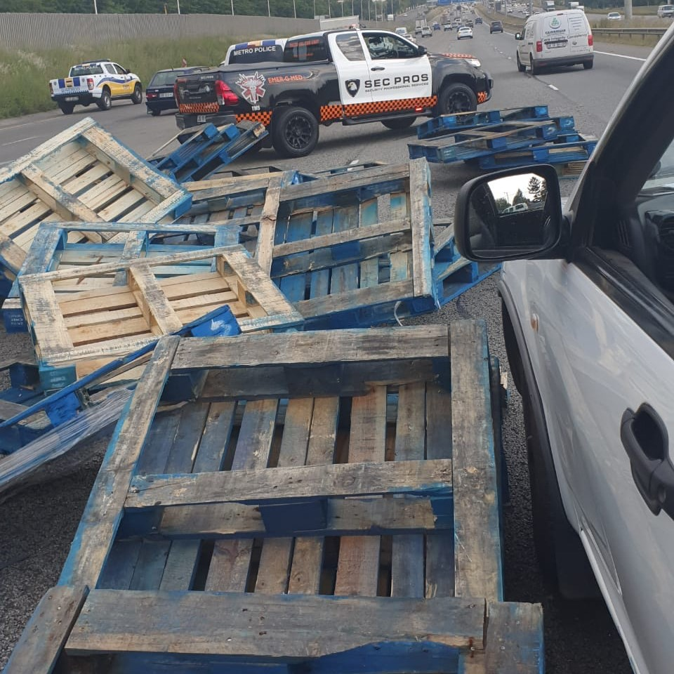 Emer-G-Med responded to a trailer that overturned on the R21