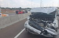 Two persons injured in road crash in Pretoria East