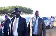 Minister Cele and MEC Ntuli visit the family of slain Councillor