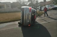 KwaZulu-Natal: Driver escapes injury in rollover