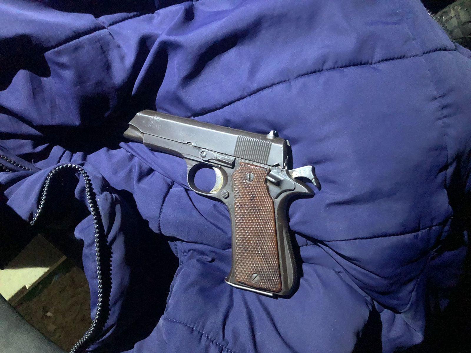 SAPS Bethelsdorp arrest suspect and seize firearm